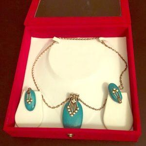 NWOT aquamarine necklace set